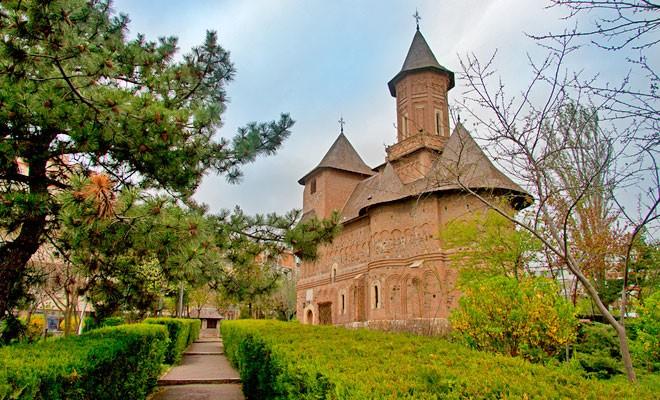 Biserica fortificată Sfânta Precista
