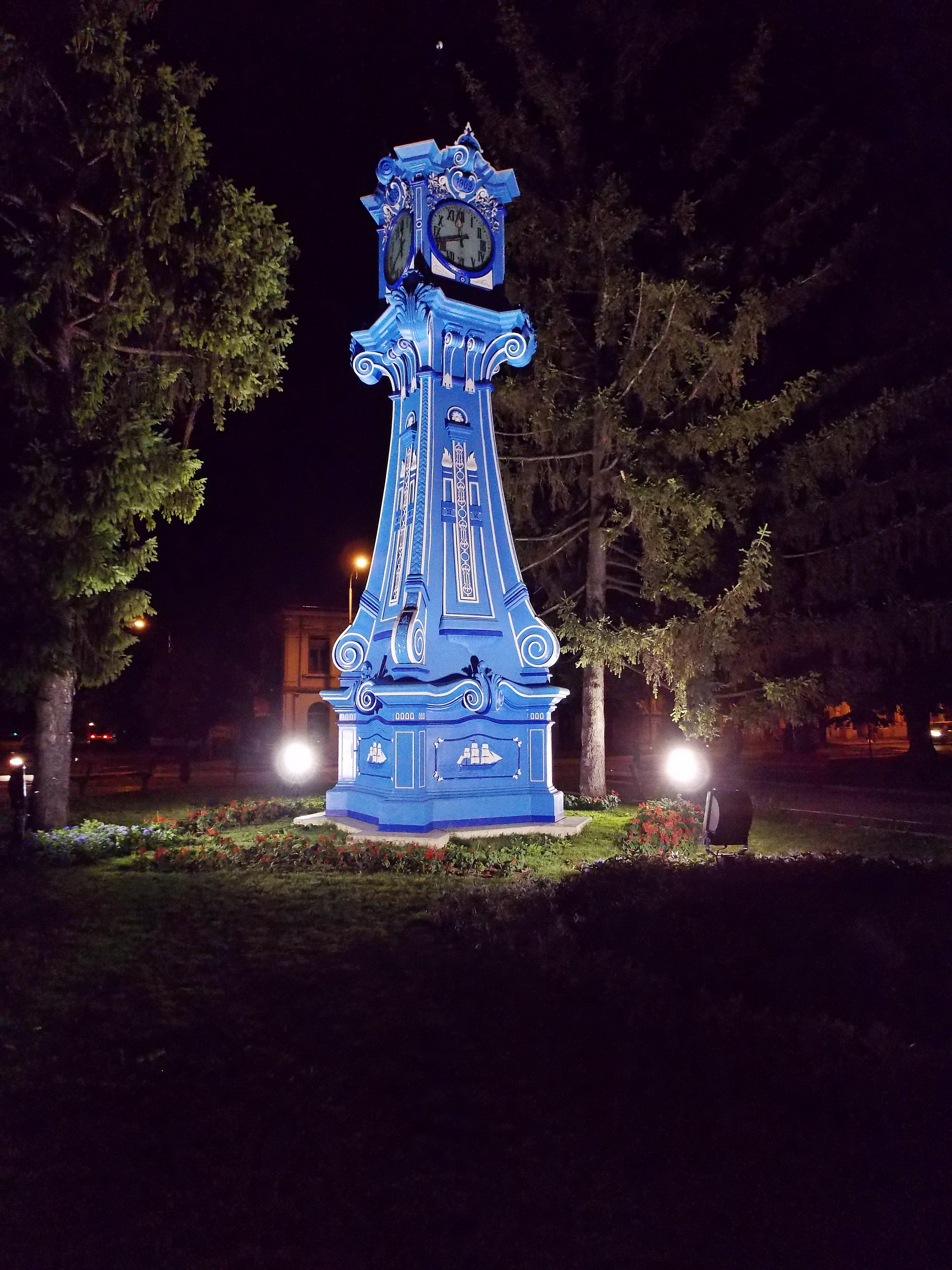 Die Uhr am Traian-Platz